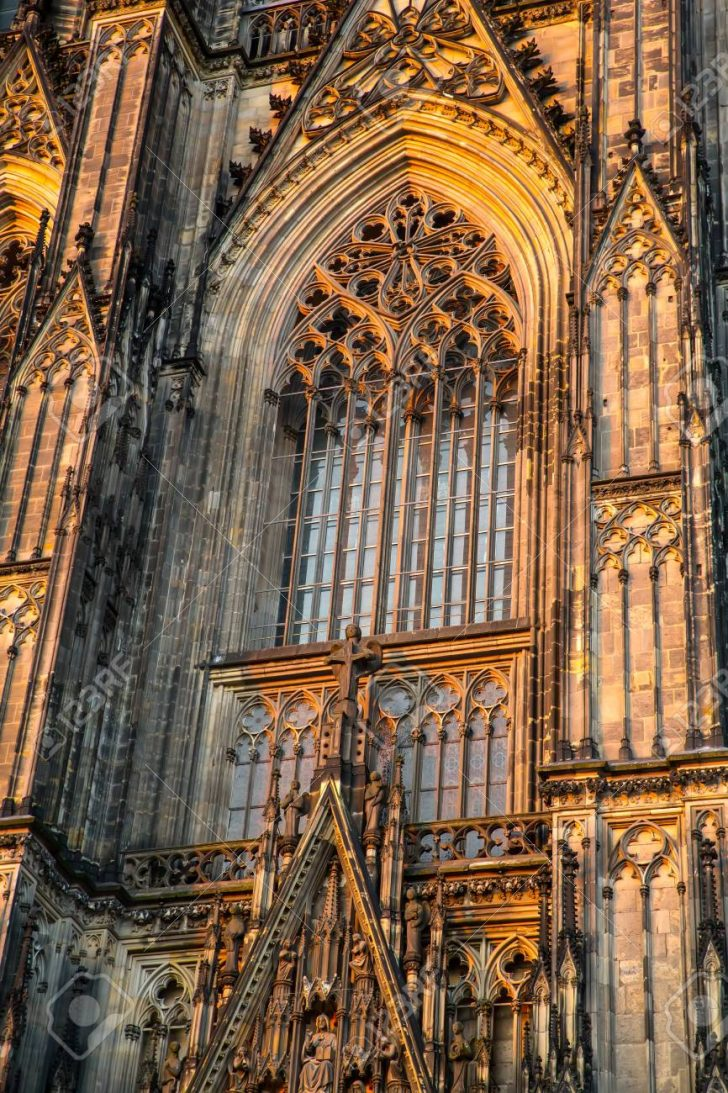 Medium Size of Fenster Köln Ein Kathedrale Von Kln In Lizenzfreie Kosten Neue Trocal Aco Folie Kbe Bauhaus Wärmeschutzfolie Fliegengitter Für Rahmenlose 3 Fach Verglasung Fenster Fenster Köln