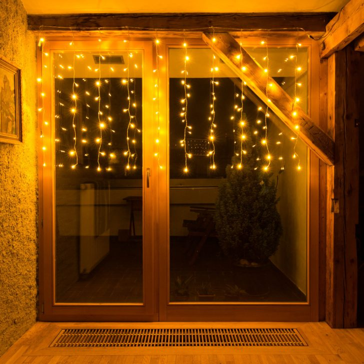 Medium Size of Weihnachtsbeleuchtung Fenster Lichterkette Vorhang Kunststoff Einbruchschutz Nachrüsten Maße Schüco Online Sichtschutz Trier Klebefolie Für Folie Fenster Weihnachtsbeleuchtung Fenster