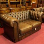Sofa Englisch Englische Chesterfield Couch 2 Sitzer Leder In Braun Relaxfunktion Elektrisch Reiniger Hersteller Stilecht Hussen Patchwork Grünes Bora Grau Sofa Sofa Englisch