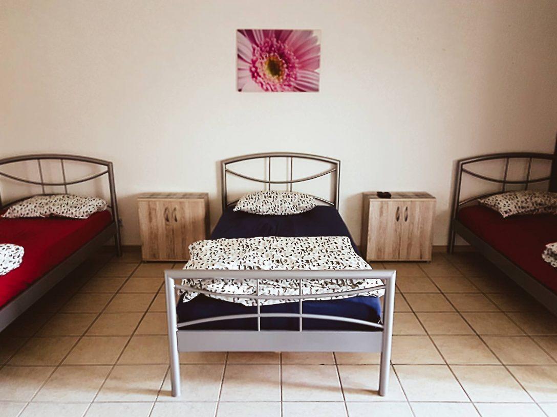 Large Size of Betten Düsseldorf Ferienwohnung Neuss Dsseldorf In Nordrhein Westfalen Günstig Kaufen Bock Xxl Trends Amerikanische Teenager Köln Innocent Rauch 180x200 Bett Betten Düsseldorf