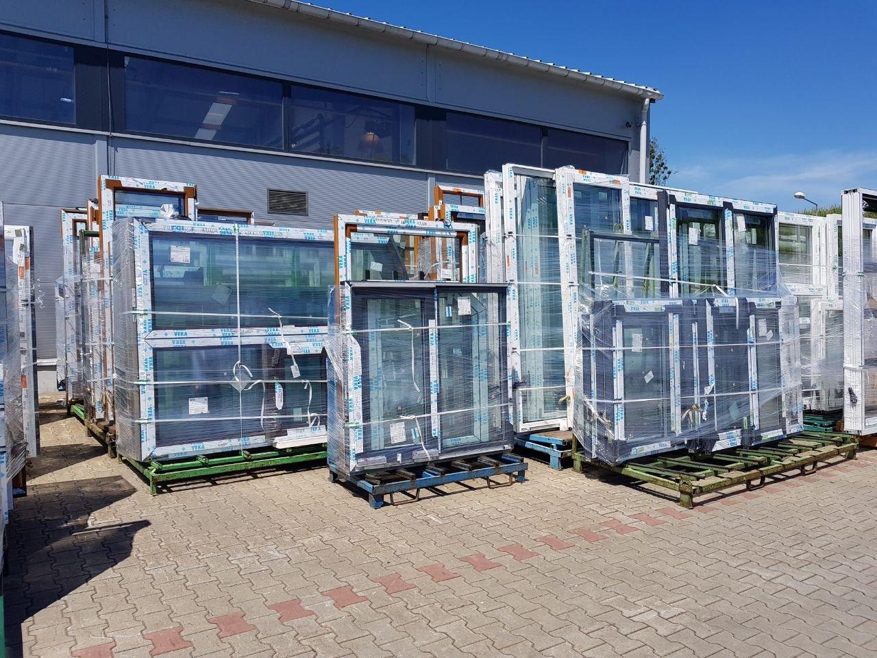 Full Size of Polnische Fenster Sonnenschutzfolie Kaufen In Polen Aron Alu Teleskopstange Online Konfigurieren Schüco Preise De Kbe Einbruchschutz Stange Velux Fenster Veka Fenster Preise