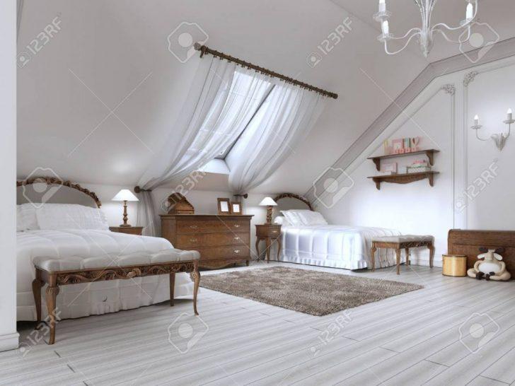 Medium Size of Weie Betten Luxus Mit Zwei Und Ein Dachfenster Holz Braun Bock Dänisches Bettenlager Badezimmer Für übergewichtige 120x200 Tempur 160x200 Kaufen 140x200 Bett Wohnwert Betten
