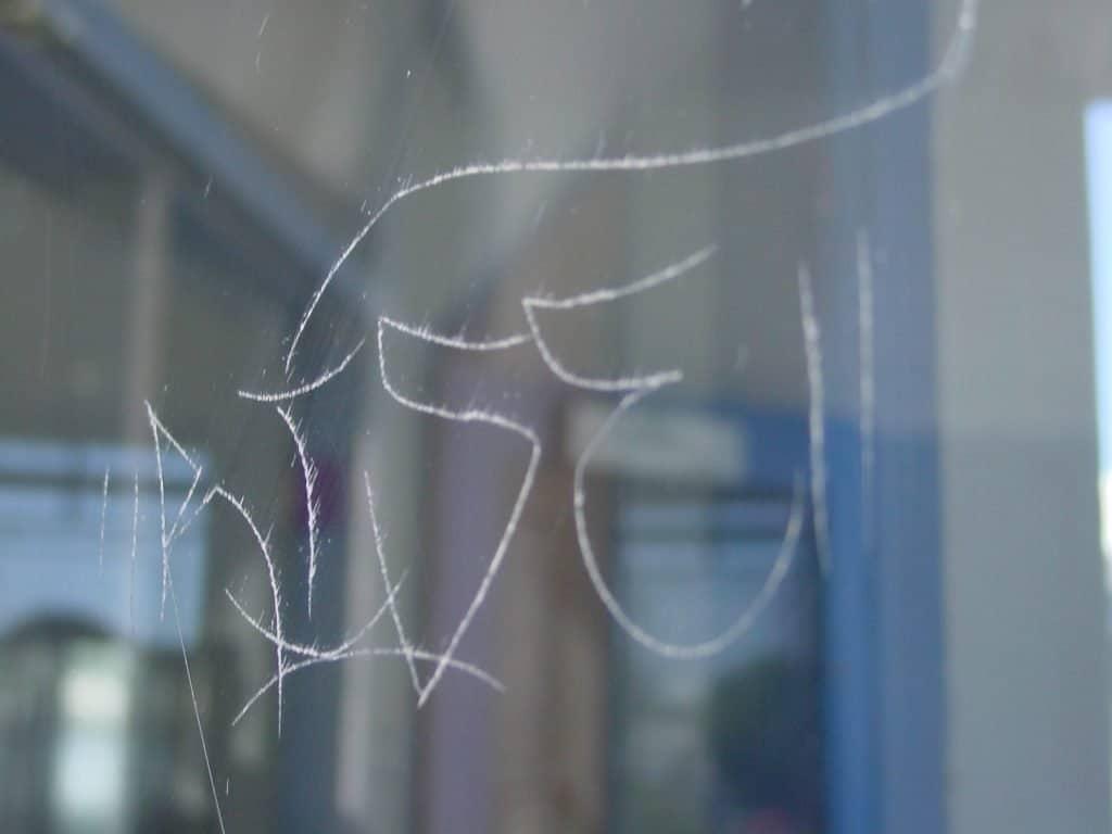 Full Size of Sicherheitsfolie Fenster Test Einbruchschutzfolie Polynord Folientechnik Schallschutz Konfigurieren Abus Plissee 3 Fach Verglasung Sichtschutzfolie Neue Fenster Sicherheitsfolie Fenster Test