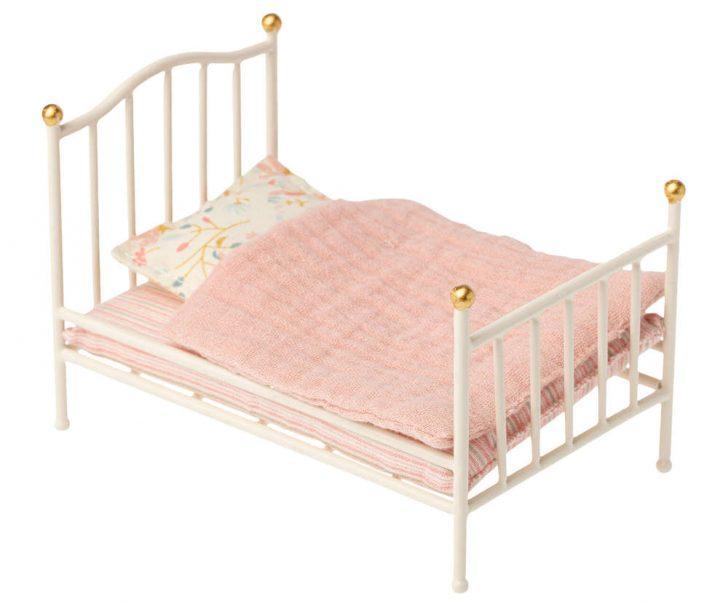 Medium Size of Maileg Bett Bed Metallbett Cremeweiss Puppenmbel Neu 20 Bettkasten Betten Mannheim Hülsta 180x200 Komplett Mit Lattenrost Und Matratze Selber Zusammenstellen Bett Bett Vintage