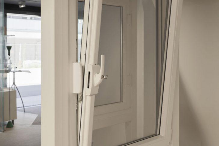 Medium Size of Fenster Dreifachverglasung Sicherheitsbeschläge Nachrüsten Insektenschutz Für Aluminium Türen Schüco Velux Einbauen Fliegennetz Sichtschutzfolien Fenster Einbruchsicherung Fenster