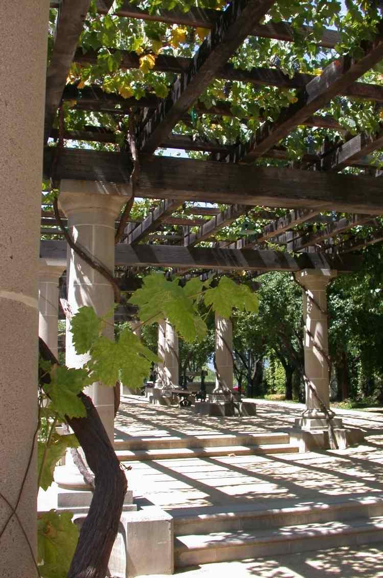 Full Size of Garten Pergola Im Sonnen Und Sichtschutz Aus Holz Ausziehtisch Leuchtkugel Spielturm Holzhaus Kind Landschaftsbau Hamburg Rattanmöbel Lounge Möbel Whirlpool Garten Garten Pergola