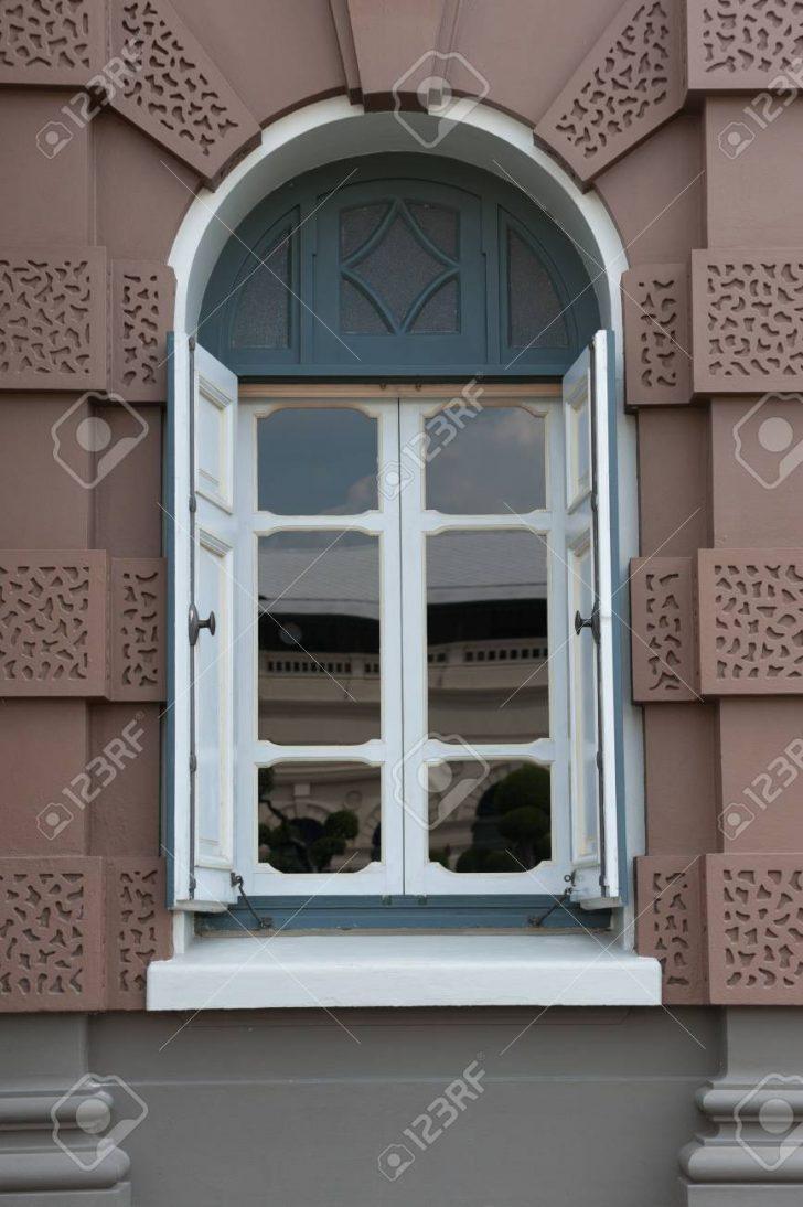 Fenster Braun Regensburg Braunschweig Dortmund Weiding Kaufen Kunststoff Steinheim Karlsruhe Am Albuch Gmbh Weies Haus Lizenzfreie Fotos In Polen Bauhaus Fenster Fenster Braun