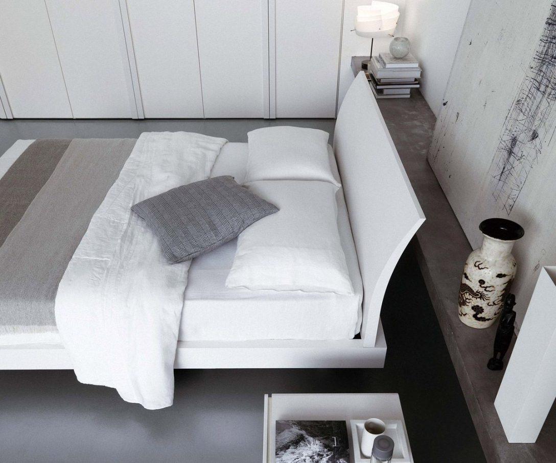 Large Size of Bett Minimalistisch Livarea On Das Moderne Design Bend Von Novamobili 140 X 200 Team 7 Betten Amazon 140x200 Weiß 90x200 Mit Schubladen Massivholz 180x200 Bett Bett Minimalistisch