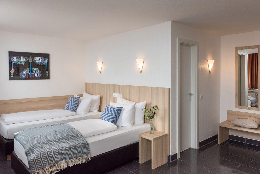 Large Size of Betten Münster Twin Zimmer Komfort Hotel Conti Muenster Hohe Ausgefallene Tagesdecken Für Ruf Weiße Günstige Günstig Kaufen 180x200 Mit Matratze Und Bett Betten Münster