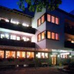 Bad Lippspringe Hotel Bad Bad Lippspringe Hotel Scherf Hotels In Dürkheim Oldesloe Badezimmer Decken Wellness Bentheim Kötzting Renovierung Waschtisch Holz Pension Reichenhall