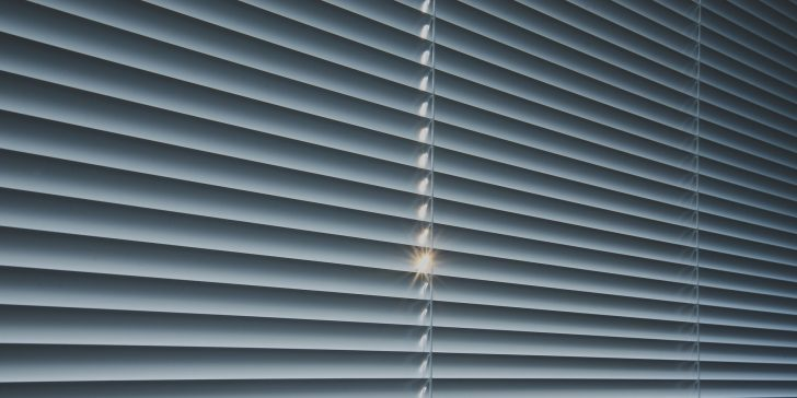 Medium Size of Fenster Rolladen Bodentiefe Online Konfigurieren Stores Einbruchschutz Kunststoff Auf Maß Einbruchsicherung Jalousie Drutex Braun Fliegengitter Fenster Fenster Rolladen