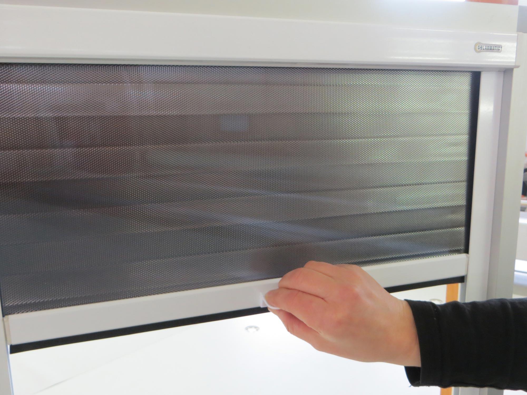 Full Size of Sonnenschutzfolie Fenster Innen Selbsthaftend Anbringen Doppelverglasung Test Montage Oder Aussen Obi Baumarkt Hitzeschutzfolie Einbruchschutz Nachrüsten Mit Fenster Sonnenschutzfolie Fenster Innen