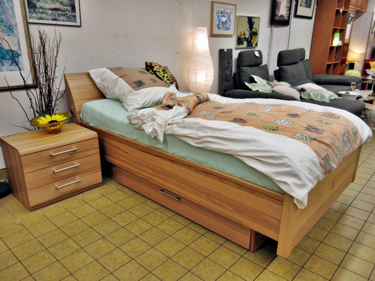 Full Size of Trendiges Bett Mit Lattenrost Und Led Beleuchtung Trdel Oase 180x200 Bettkasten Stauraum 160x200 Betten Münster 120x200 Weiß 200x200 Schlafzimmer Komplett Bett Bett Komplett