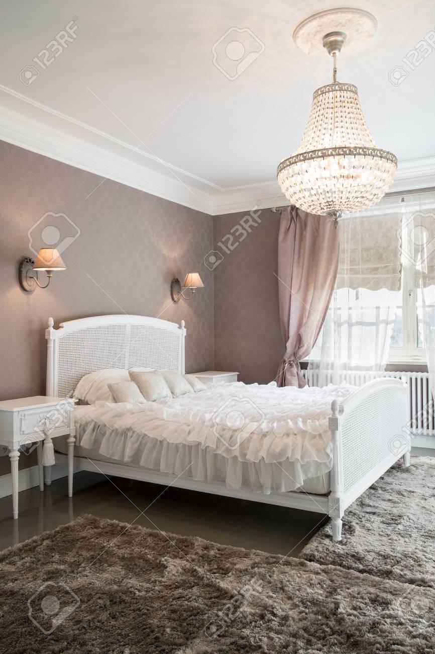 Full Size of Bett Vintage Foto Von Stilvollen Schlafzimmer Mit Groem Ruf Weiß 100x200 Günstig Betten Stauraum 190x90 200x200 Außergewöhnliche Gepolstertem Kopfteil Bett Bett Vintage