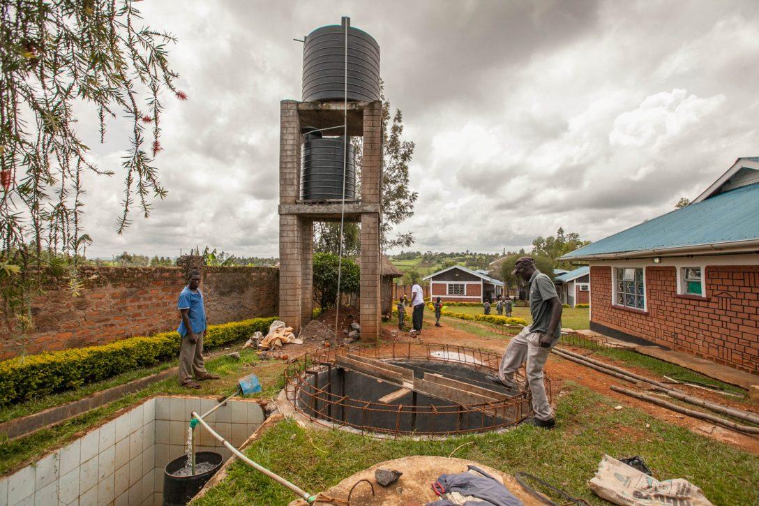 Large Size of Wassertank Garten Baufortschritt In Kenia Der Neue Nyota Wasserspeicher Loungemöbel Holz Feuerstelle Kinderschaukel Spielgeräte Kinderhaus Fussballtor Garten Wassertank Garten