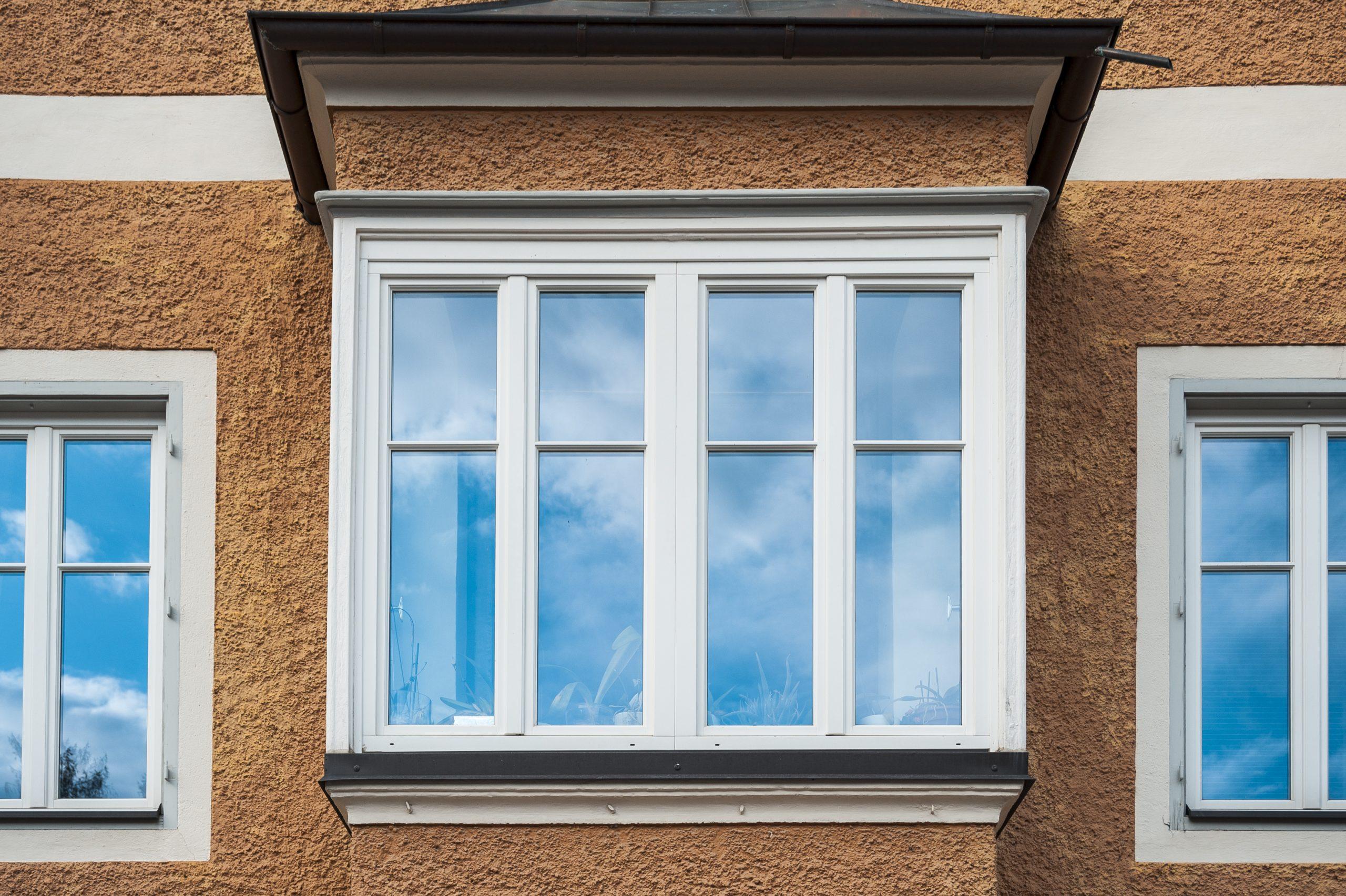 Full Size of Glasklar Dienstleistungen Aron Fenster Kunststoff Dachschräge Online Konfigurieren Sicherheitsbeschläge Nachrüsten Mit Integriertem Rollladen Drutex Fenster Sonnenschutzfolie Fenster Innen