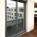 Sonnenschutzfolie Fenster Innen Fenster Sonnenschutzfolie Fenster Innen Doppelverglasung Hitzeschutzfolie Selbsthaftend Anbringen Test Oder Aussen Obi Montage Entfernen Baumarkt Absturzsicherung Holz