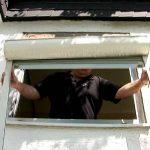Rolladen Montage Als Vorbaurollade Youtube Sonnenschutz Fenster Innen Preisvergleich Kbe Rc3 Neue Einbauen Austauschen Veka Preise Einbruchschutz Folie Kosten Fenster Fenster Rolladen Nachträglich Einbauen