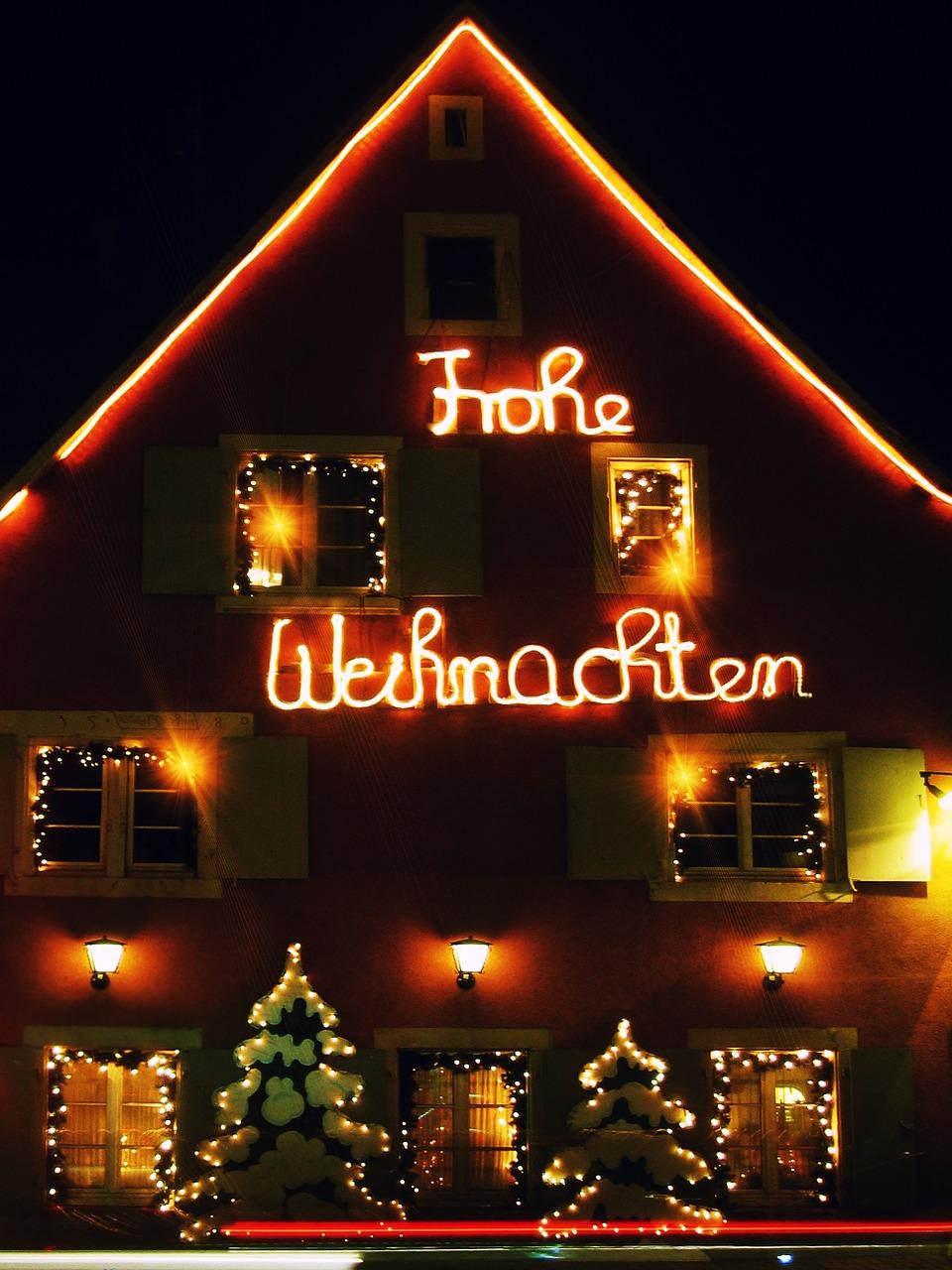 Full Size of Weihnachtsbeleuchtung Fenster Kabellos Amazon Led Silhouette Stern Innen Pyramide Hornbach Batteriebetrieben Befestigen Figuren Ohne Kabel Bunt Mit Sichere Fenster Weihnachtsbeleuchtung Fenster