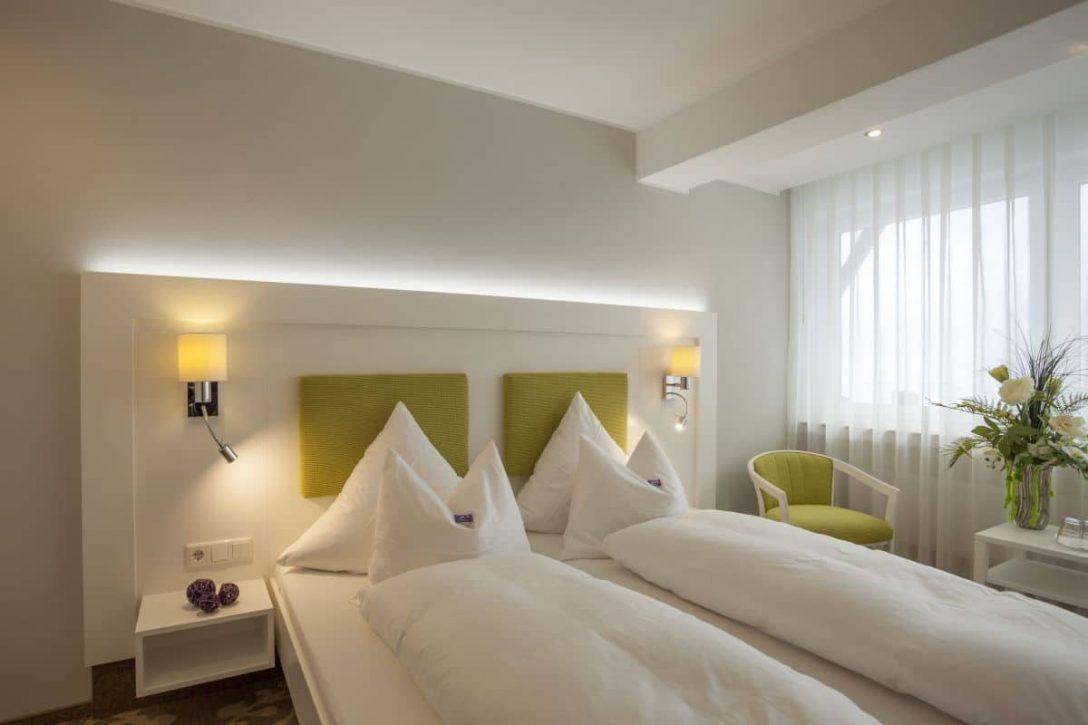 Large Size of Großes Bett Groes Komfort 4 Zimmer Mit Sitzecke Hotel Haus Andrea Prinzessinen Bette Duschwanne Coole Betten 120x200 Für übergewichtige Matratze Und Bett Großes Bett