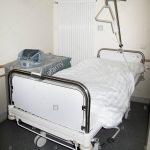 Krankenhausbett Stockfotos Bilder Alamy Schlafzimmer Set Mit Boxspringbett Tempur Betten Bett Topper Barock Schramm Aus Holz Badewanne Bette Günstig Kaufen Bett Krankenhaus Bett