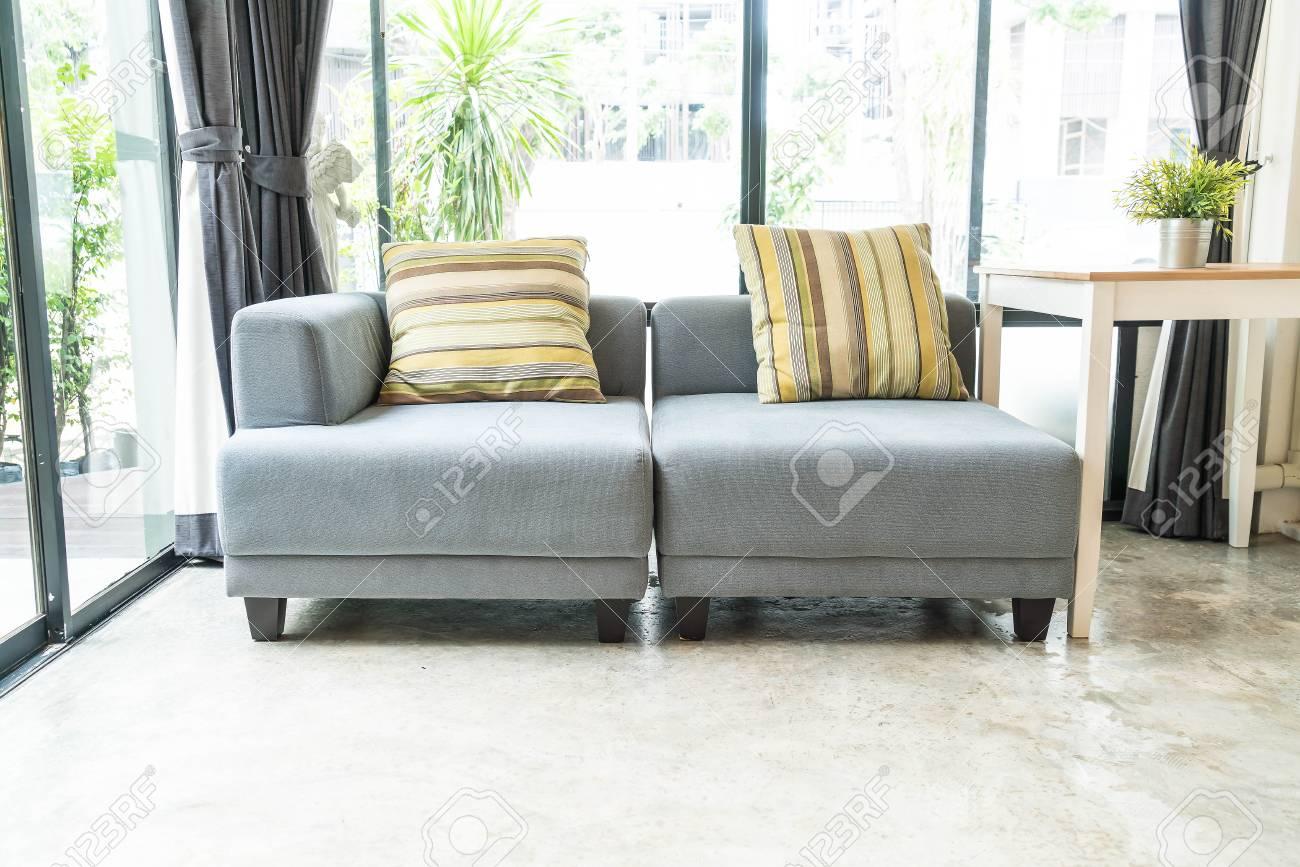 Full Size of Sofa Im Wohnzimmer Lizenzfreie Fotos Kolonialstil Big Mit Schlaffunktion Copperfield Creme Bezug Englisch 3 Sitzer Günstig Antik Elektrischer Sofa Modernes Sofa