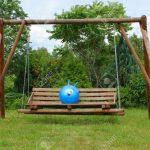 Schaukel Garten Test Gartenliege Holz Baby Gartenschaukel Metall Selber Bauen Ohne Betonieren Erwachsene Gartenpirat Im Grnen Lizenzfreie Fotos Skulpturen Garten Schaukel Garten