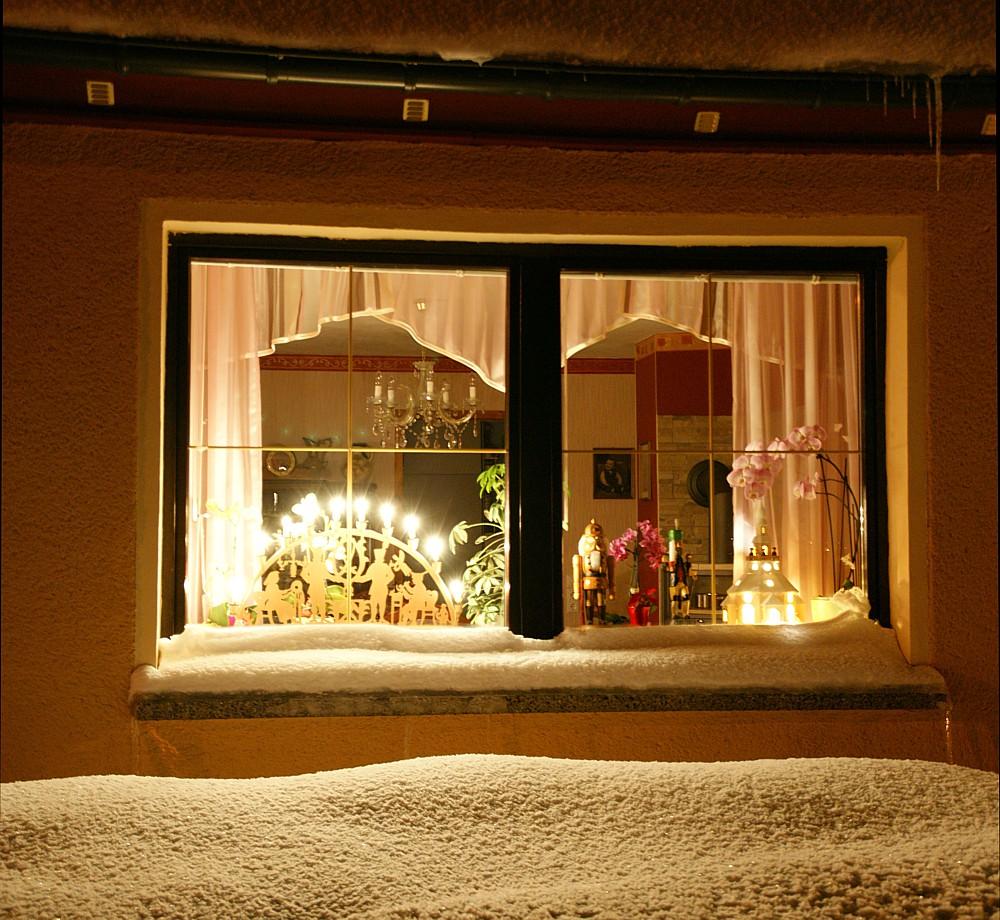 Full Size of Fensterbeleuchtung Weihnachten Innen Led Mit Timer Stern Batterie Weihnachts Saugnapf Erzgebirge Beleuchtung Fenster Selber Machen Sterne Kinderzimmer Kabel Fenster Fenster Beleuchtung