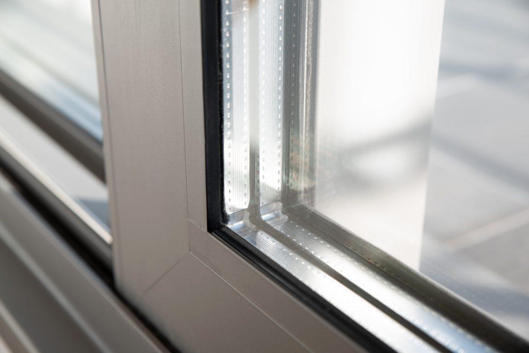 Large Size of Fenster Einbauen Kosten Zweifach Oder Dreifachverglasung Trocal Putzen Sonnenschutz Für Ikea Küche Aluminium Braun Rehau Folie Holz Alu Sichtschutzfolie Fenster Fenster Einbauen Kosten