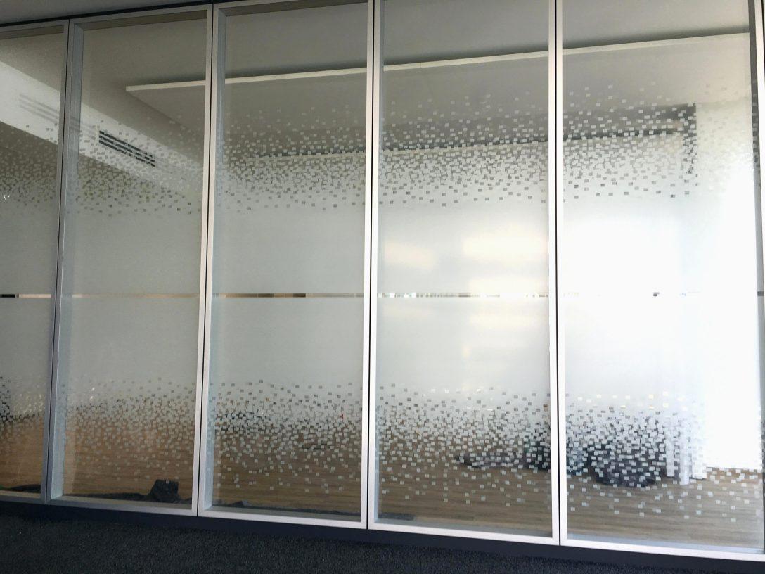 Large Size of Fenster Folie Fensterfolie Obi Baumarkt Fensterfolien Berlin Statische Ikea Bad Entfernen Youtube Kaufen Selbstklebende Bauhaus Sichtschutz Statisch Anbringen Fenster Fenster Folie