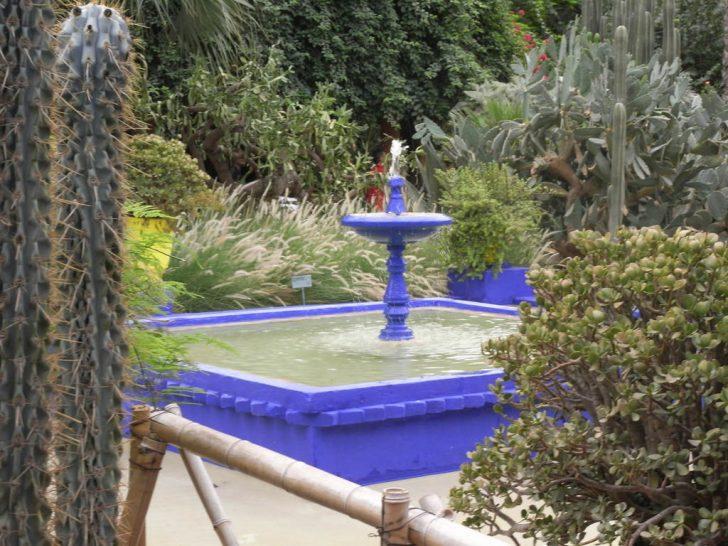 Medium Size of Wasserbrunnen Garten Bild Brunnen Im Zu Majorelle In Marrakesch Kinderhaus Led Spot Kräutergarten Küche Gaskamin Feuerstellen Spielgerät Relaxsessel Aldi Garten Wasserbrunnen Garten