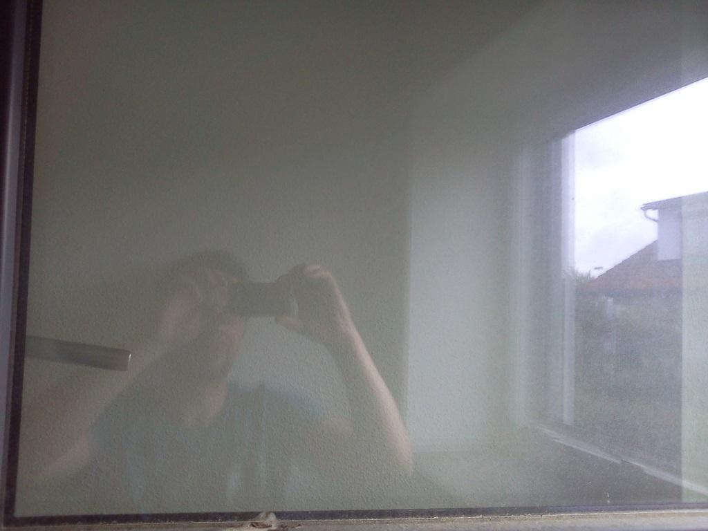Full Size of Fenster Reinigen Mit Fensterrahmen Reiningen Und Dampfstaubsauger Einbruchschutz Nachrüsten Tauschen Konfigurieren Fliegennetz Abus Folie Für Klebefolie Fenster Fenster Reinigen