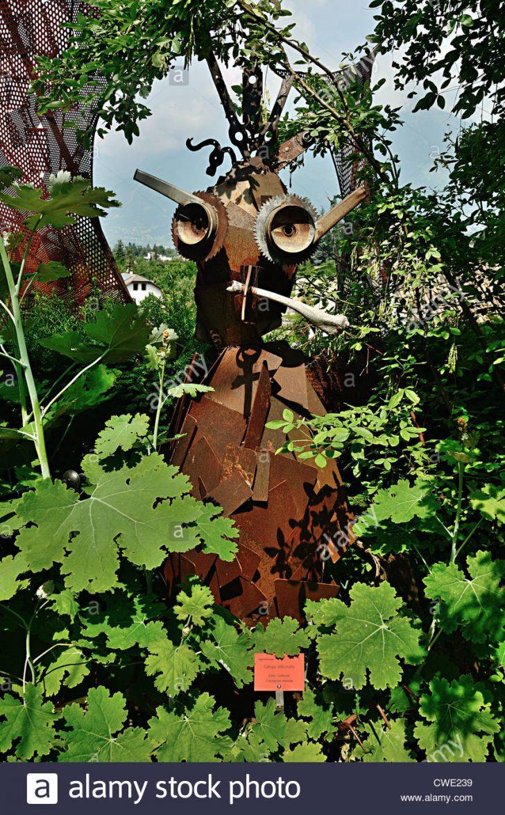 Medium Size of Garten Skulpturen Gartenskulpturen Aus Stein Antik Skulptur Modern Holz Beton Edelstahl Buddha Metall Gartendeko Moderne Altmetall Hergestellt Stockfoto Garten Garten Skulpturen