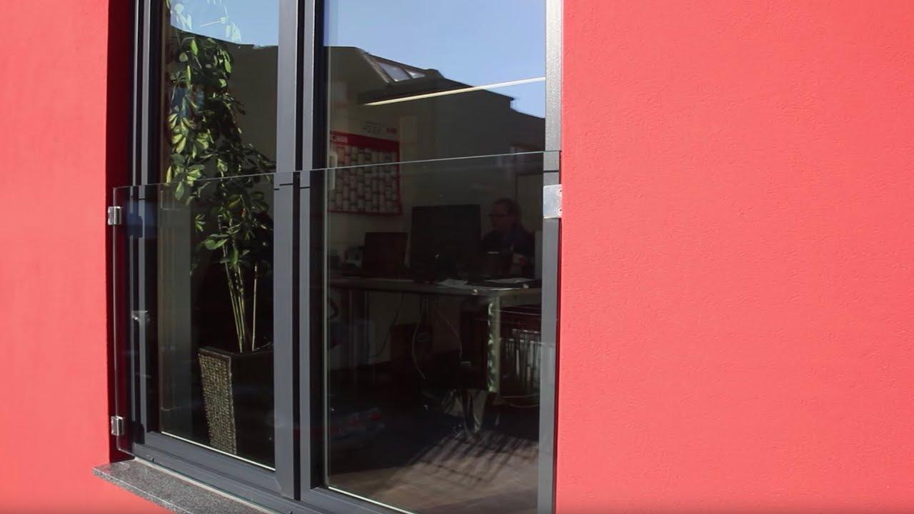Full Size of Absturzsicherung Fenster Franzsischer Balkon Aus Glas Als Vor Dem Tief Dreifachverglasung Braun Einbruchschutz Nachrüsten Stange Insektenschutzgitter Gitter Fenster Absturzsicherung Fenster