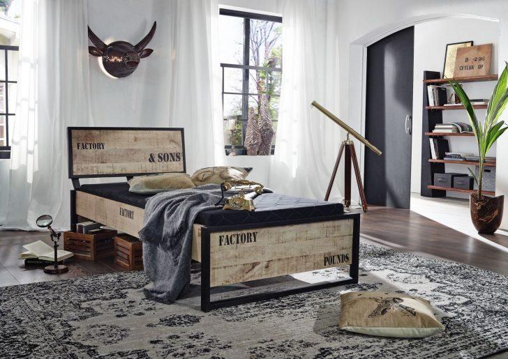 Medium Size of Bett Betten Günstig Kaufen Innocent Schöne Amerikanische Bei Ikea Mit Matratze Und Lattenrost 140x200 Kinder überlänge Oschmann Stauraum Mädchen Ebay Bett Außergewöhnliche Betten