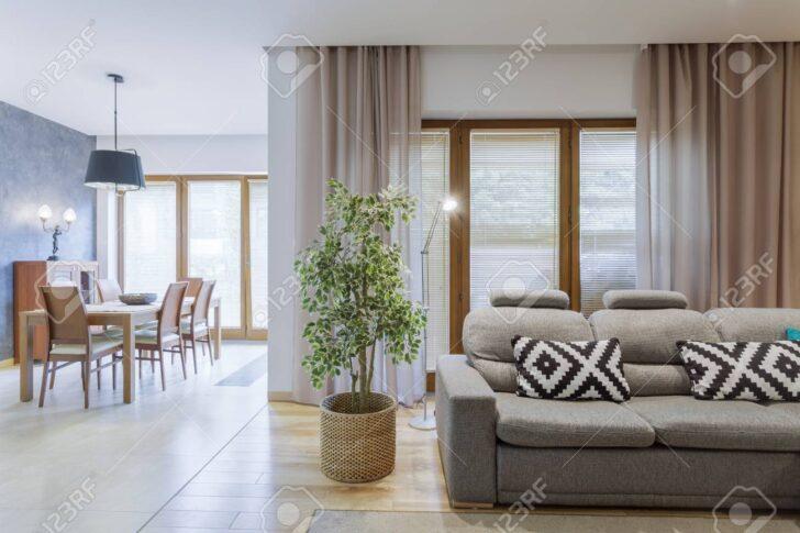 Medium Size of Esszimmer Sofa Samt Ikea Couch Grau Vintage Ffnen Sie Gerumigen Wohnzimmer Mit Grauem Und L Schlaffunktion Kolonialstil Blau Groß In Form Heimkino Sofort Sofa Esszimmer Sofa