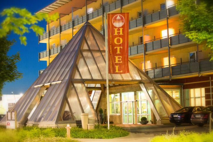 Medium Size of Bademäntel Damen Hotels In Bad Schandau Hotel Bentheim Nauheim Vinylboden Hersfeld Seniorengerechtes Deckenleuchte Wandarmatur Wörishofen Heizkörper Bad Hotel Bad Windsheim