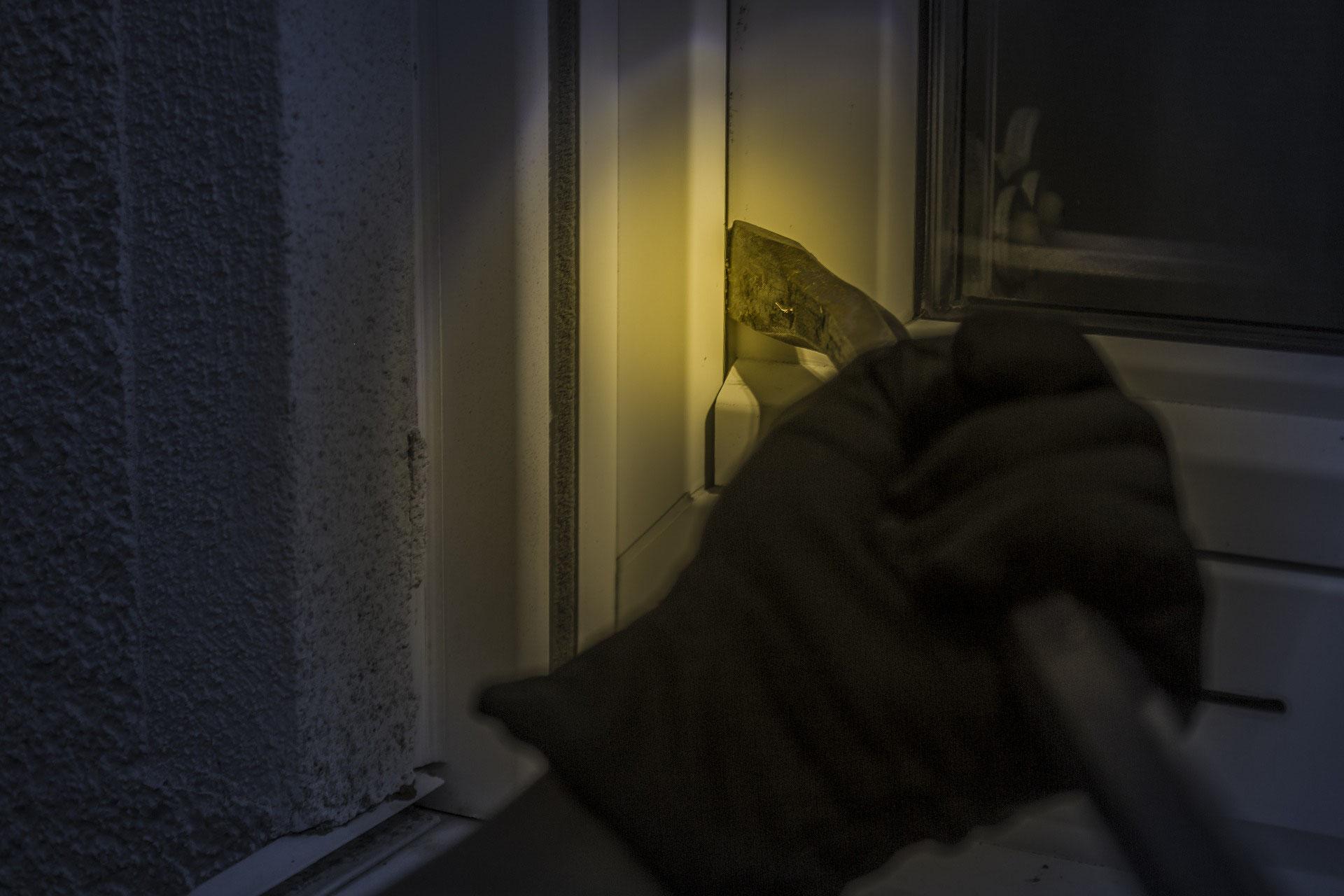 Full Size of Fenster Einbruchsicher 5 Tipps Um Eigenen Und Tren Zu Machen Rolladen Nachträglich Einbauen Zwangsbelüftung Nachrüsten Meeth Weihnachtsbeleuchtung Schüco Fenster Fenster Einbruchsicher