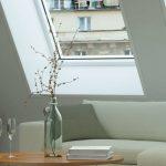 Fenster Dachschräge Fenster Wohnzimmer Mit Dachschrge So Wird Es Hell Internorm Fenster Preise Günstig Kaufen Erneuern Kosten Alarmanlage Herne Auf Maß Rundes Sichtschutz Sonnenschutz