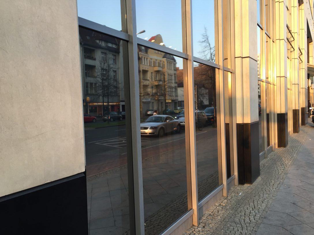 Large Size of Fenster Sicherheitsfolie Spiegelfolie Profimontage Aus Hamburg Bauhaus Sichtschutz Herne Runde Rollos Ohne Bohren Winkhaus Bremen Hannover Schräge Abdunkeln Fenster Fenster Sicherheitsfolie