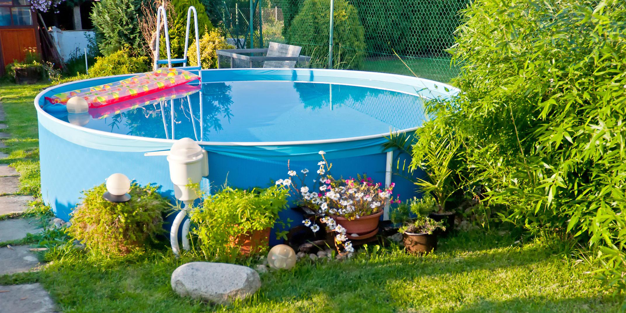 Full Size of Swimmingpools Zum Aufstellen Bersicht Bewässerungssysteme Garten Sichtschutz Wpc Loungemöbel Lounge Set Schaukelstuhl Jacuzzi Schallschutz Trennwände Velux Garten Garten Pool Guenstig Kaufen