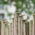 Garten Zaun Gartenzaun Aus Holz Spielhaus Rattanmöbel Trennwand Und Landschaftsbau Hamburg Holzbank Klapptisch Kinderhaus Schallschutz Sonnenschutz Spielturm Garten Garten Zaun