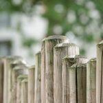 Trennwände Garten Trennwand Im Verschiedene Mglichkeiten Und Stile Lola Hochbeet Schaukel Relaxsessel Aldi Gaskamin Kugelleuchte Whirlpool Aufblasbar Garten Trennwände Garten