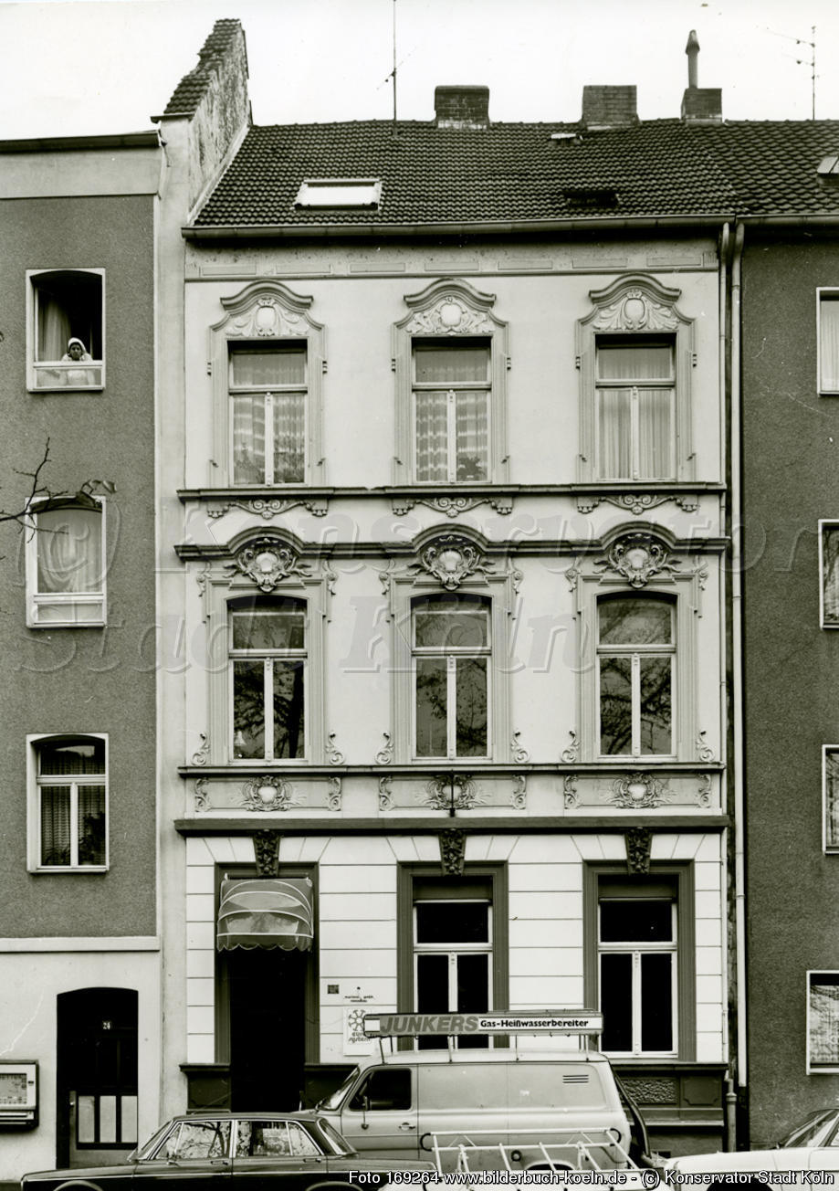 Full Size of Fenster Köln Bilderbuch Kln Sog Drei Haus In Mlheim Einbruchsichere Schallschutz Rolladen Nachträglich Einbauen Zwangsbelüftung Nachrüsten Drutex Reinigen Fenster Fenster Köln