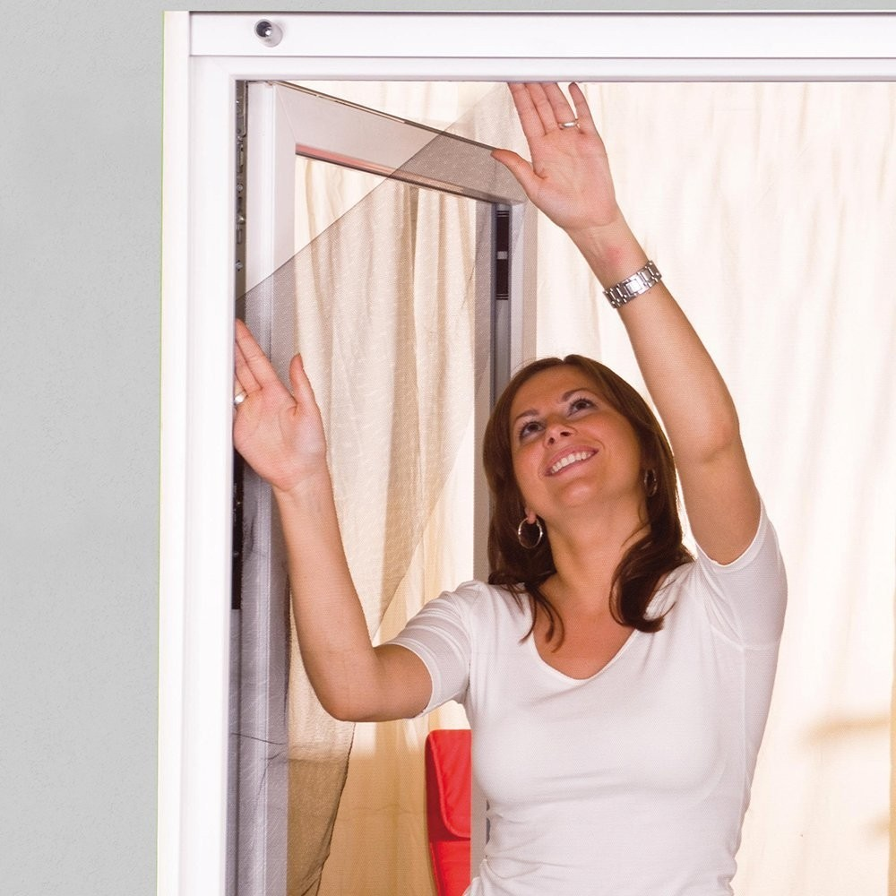 Full Size of Fliegennetz Fenster Rollo Tesa Anbringen Dm Bauhaus Obi Kaufen Fliegengitter Befestigen Easy Life Insektenschutzgitter 130 150 Cm Sicherheitsfolie Rundes Velux Fenster Fliegennetz Fenster