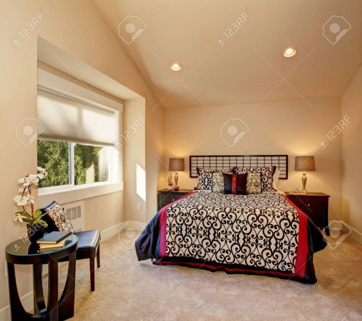Medium Size of Warme Schlafzimmer Mit Hohen Innocent Betten Boxspring 200x220 Coole Französische Paradies Günstige 140x200 Outlet Ruf Fabrikverkauf Schöne Ausgefallene Bett Japanische Betten