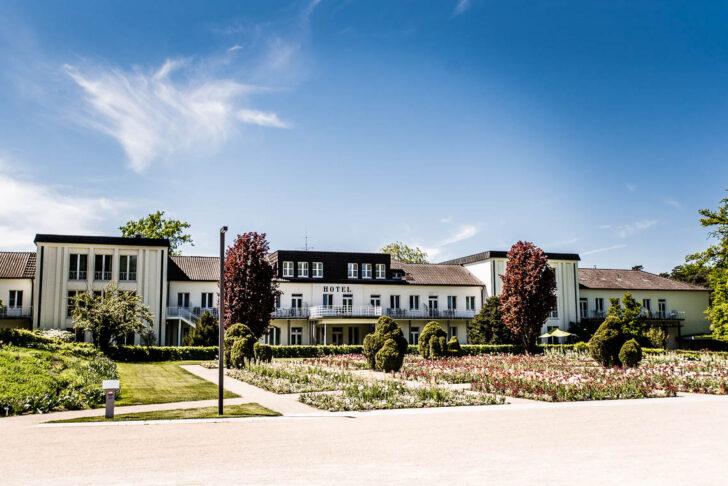 Medium Size of Hochzeit Gartenschau Bad Lippspringe Hochzeitsfotograf Nrw Hängeschrank Gögging Hotel Gutschein Bader Rothenfelde De Schnäppchen Saarow Kissingen Bad Bad Lippspringe Hotel