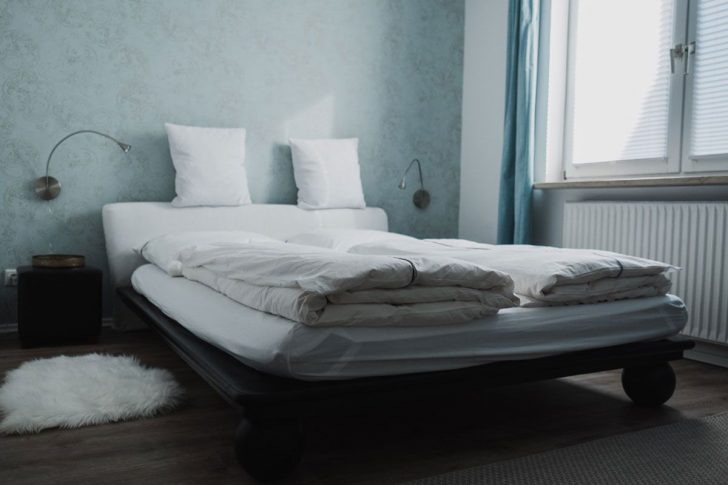 Medium Size of Ferienhaus Fritzbokleines Schlafzimmer Mit Bett 140 200 Hohes Matratze Und Lattenrost 140x200 220 X Flach Team 7 Betten Weiße Hamburg 90x200 Günstige Xxl Bett Bett 1.40