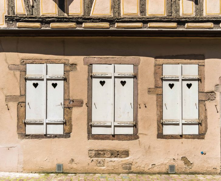 Medium Size of Fenster Braunschweig Braun Kaufen Karlsruhe Steinheim Am Albuch Dortmund Weiding Kostenlose Bild Fassade Putzen Klebefolie Für Trocal Rollos Preisvergleich Fenster Fenster Braun
