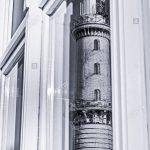 Spiegelung Der Alten Leuchtturm Rostock Warnemnde In Einem Schüco Fenster Kaufen Alarmanlage Insektenschutz Kunststoff Rollo Meeth Aco Für Einbruchschutz Fenster Fenster Rostock